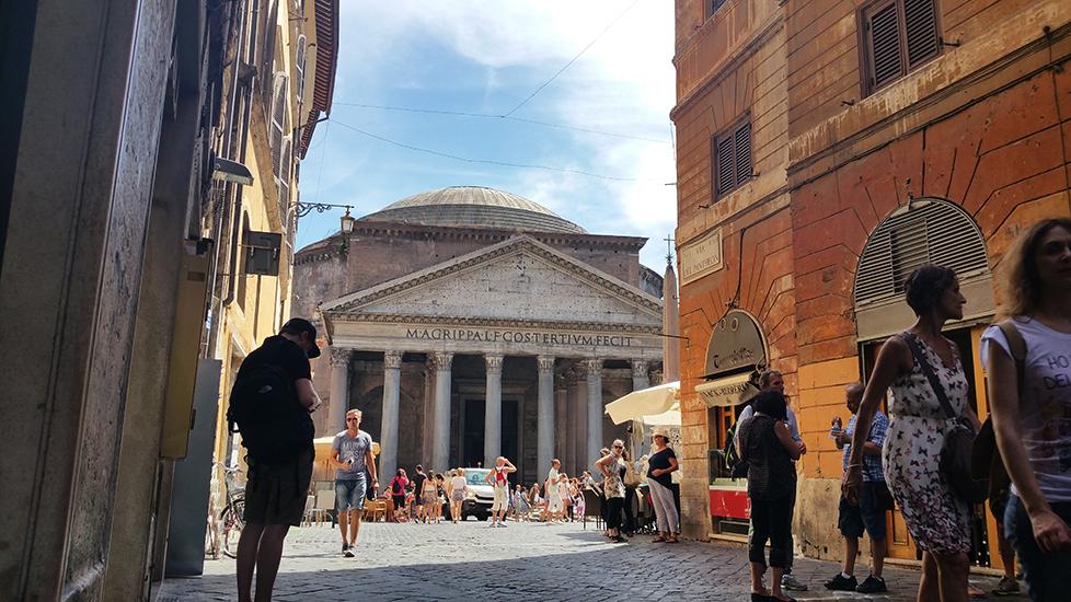 Panteonul din Roma, templul tuturor zeilor