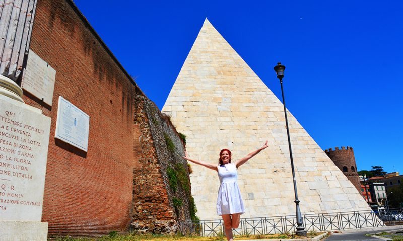 Pyramid of Cestius, Rome, Holiday and Trips