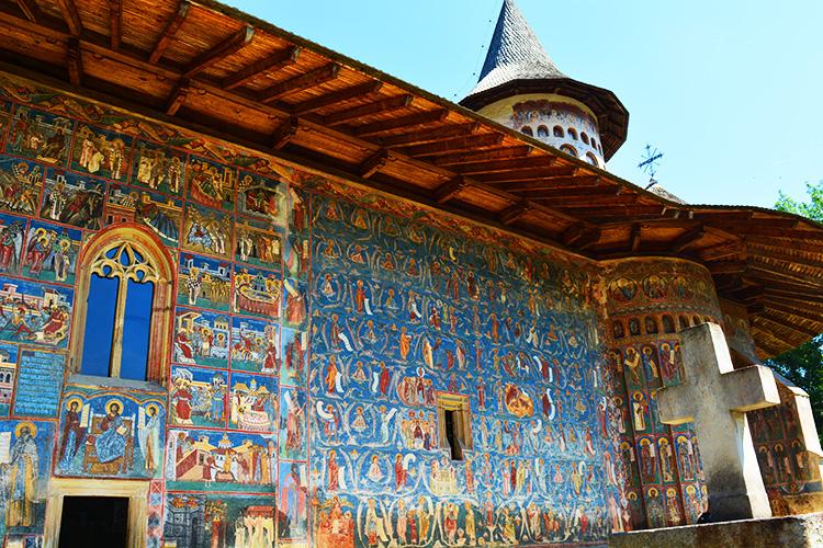 Manastirea Voronet, Capela Sixtina a Estului - un albastru infinit Manastirile Pictate