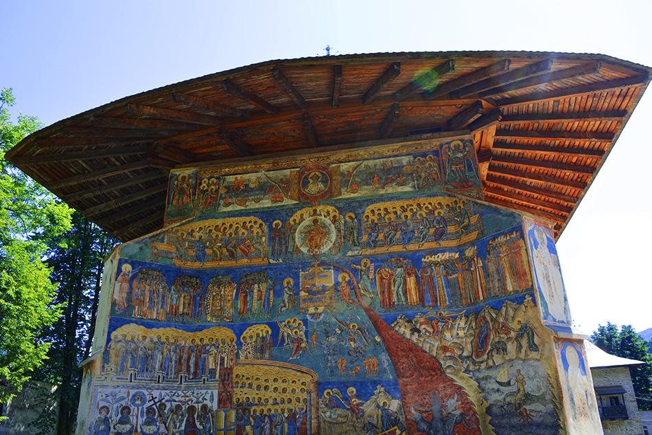 Manastirea Voronet, Capela Sixtina a Estului - un albastru infinit