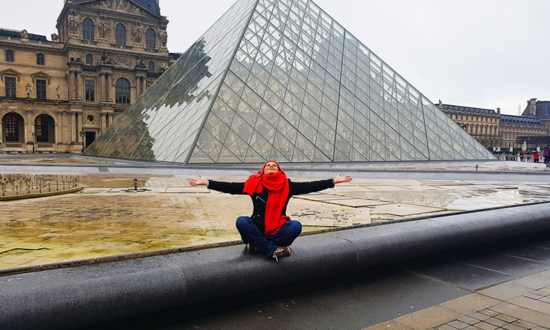 Top Masterpieces, The Louvre Pyramid Paris 2