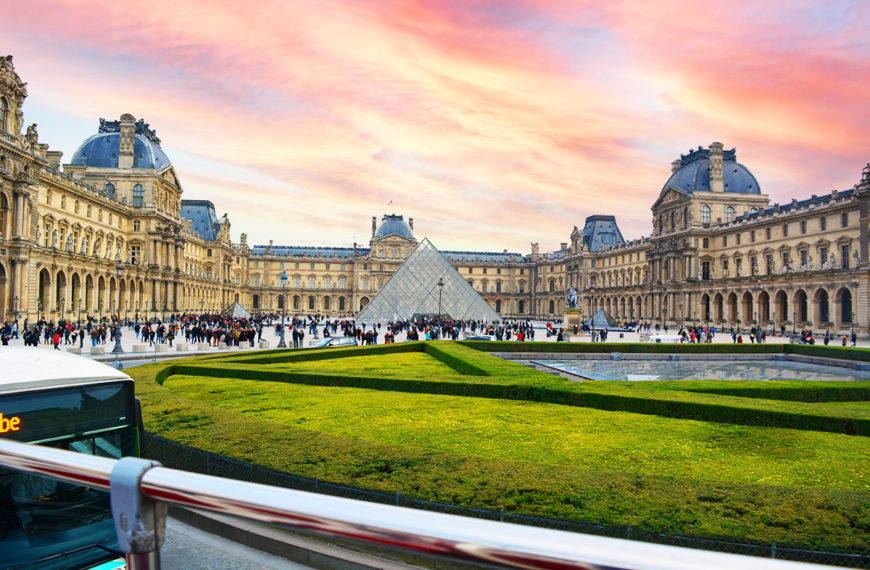 Muzeul Luvru, Paris – cel mai mare muzeu de arta din lume