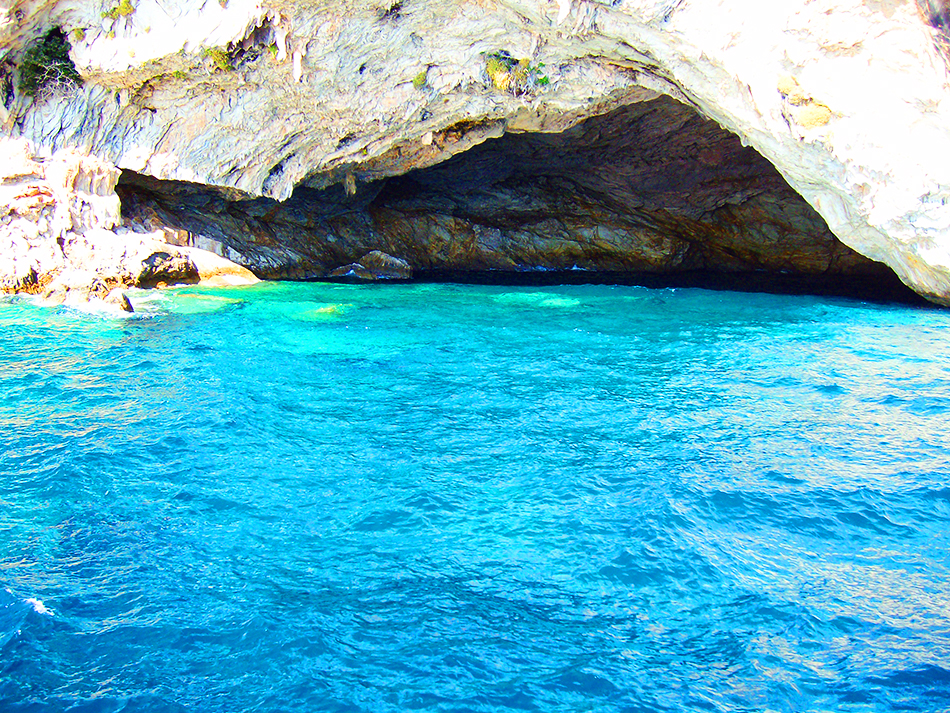 Papanikolis Cave, Lefkada, Greece
