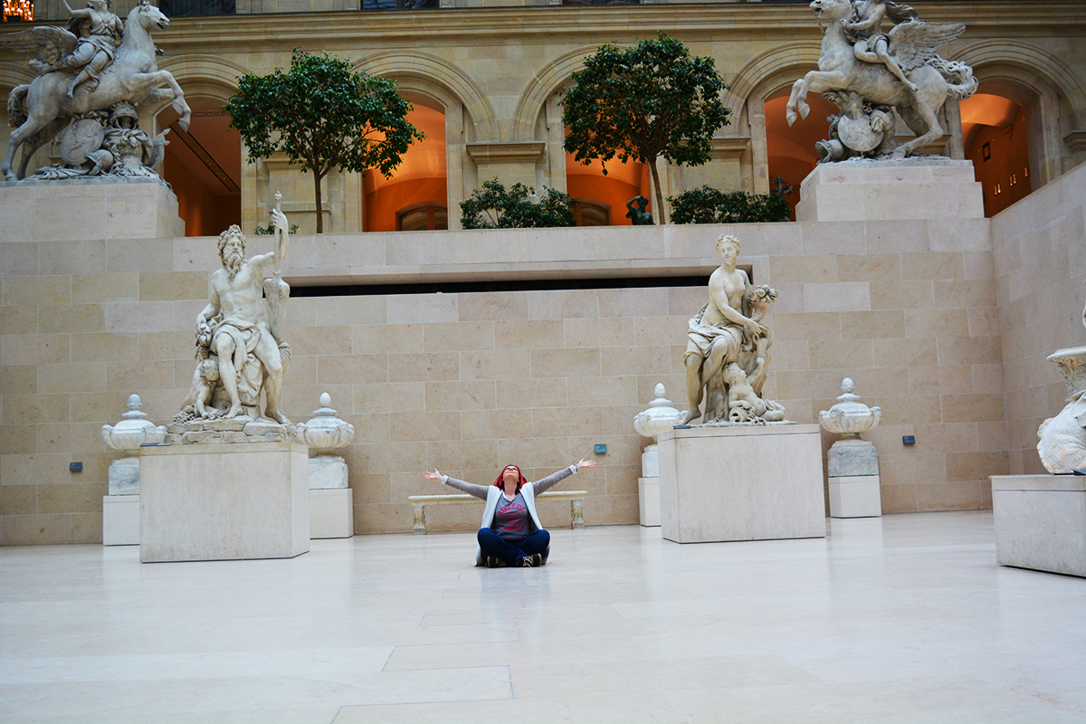 The Cour Marly in the Louvre Museum – a perfect place for a photo session