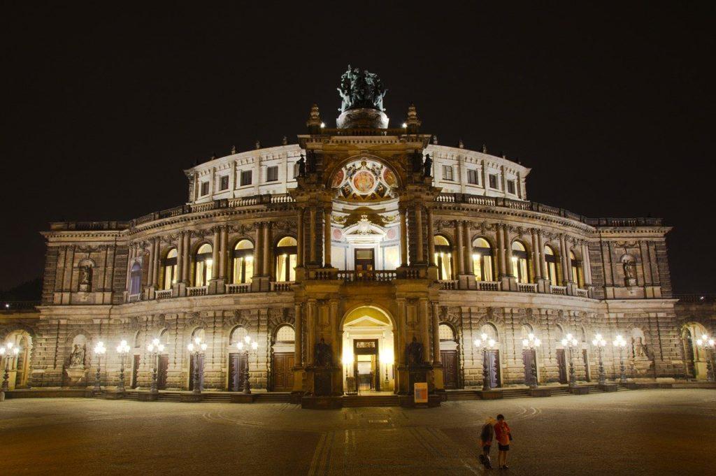 Opera din Dresda, Germania