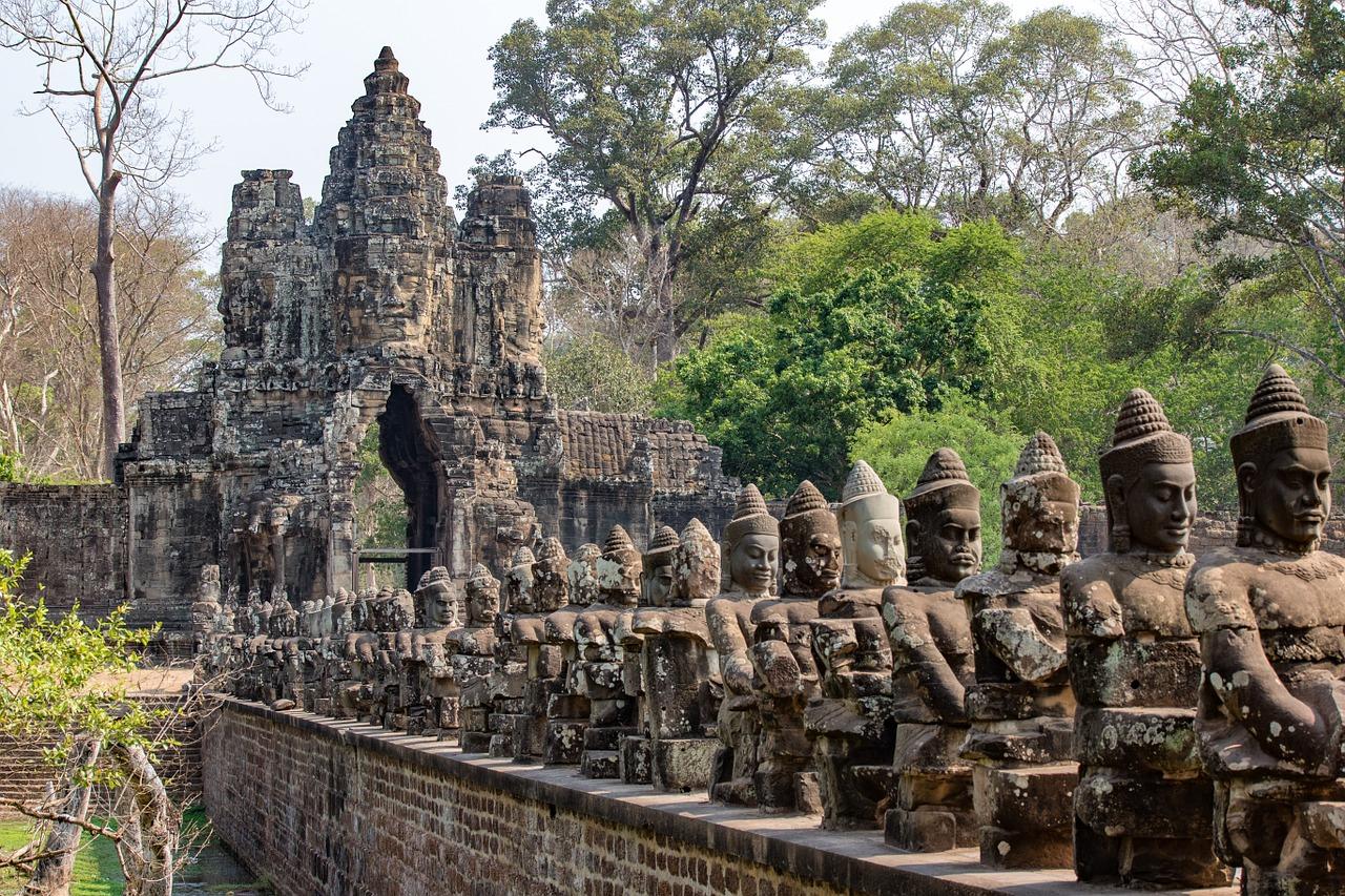 Angkor Wat - Cel mai faimos templu din Cambodgia