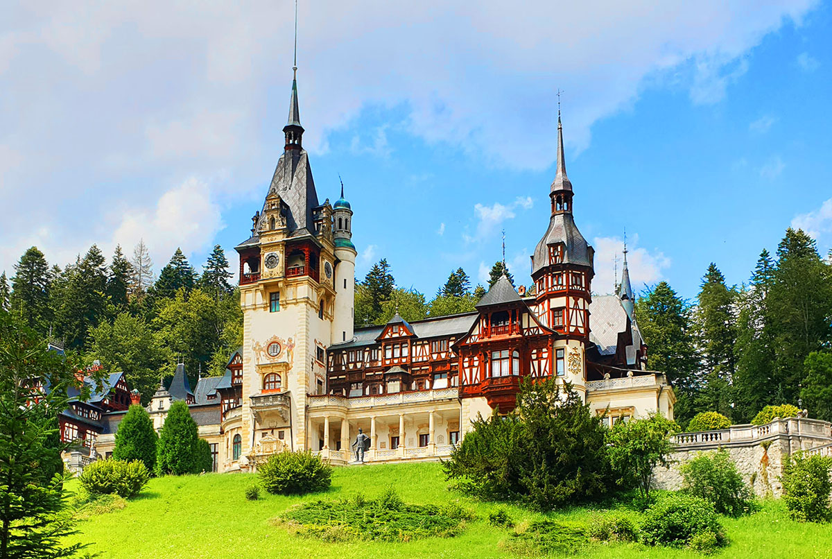 Peles Castle, Sinaia | The most beautiful castle in Romania