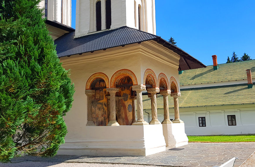 """Sinaia Monastery – """"the younger sister"""" of the great St Catherine's Monastery from Egypt"""