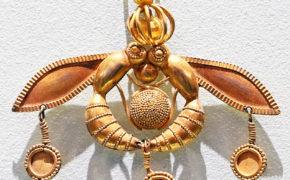 Malia_Bee_pendant, Heraklion, Crete, greece