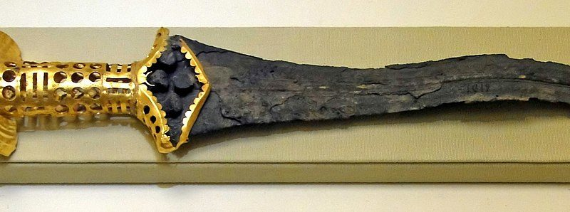Bronze_dagger_from_Malia Minoan Palace