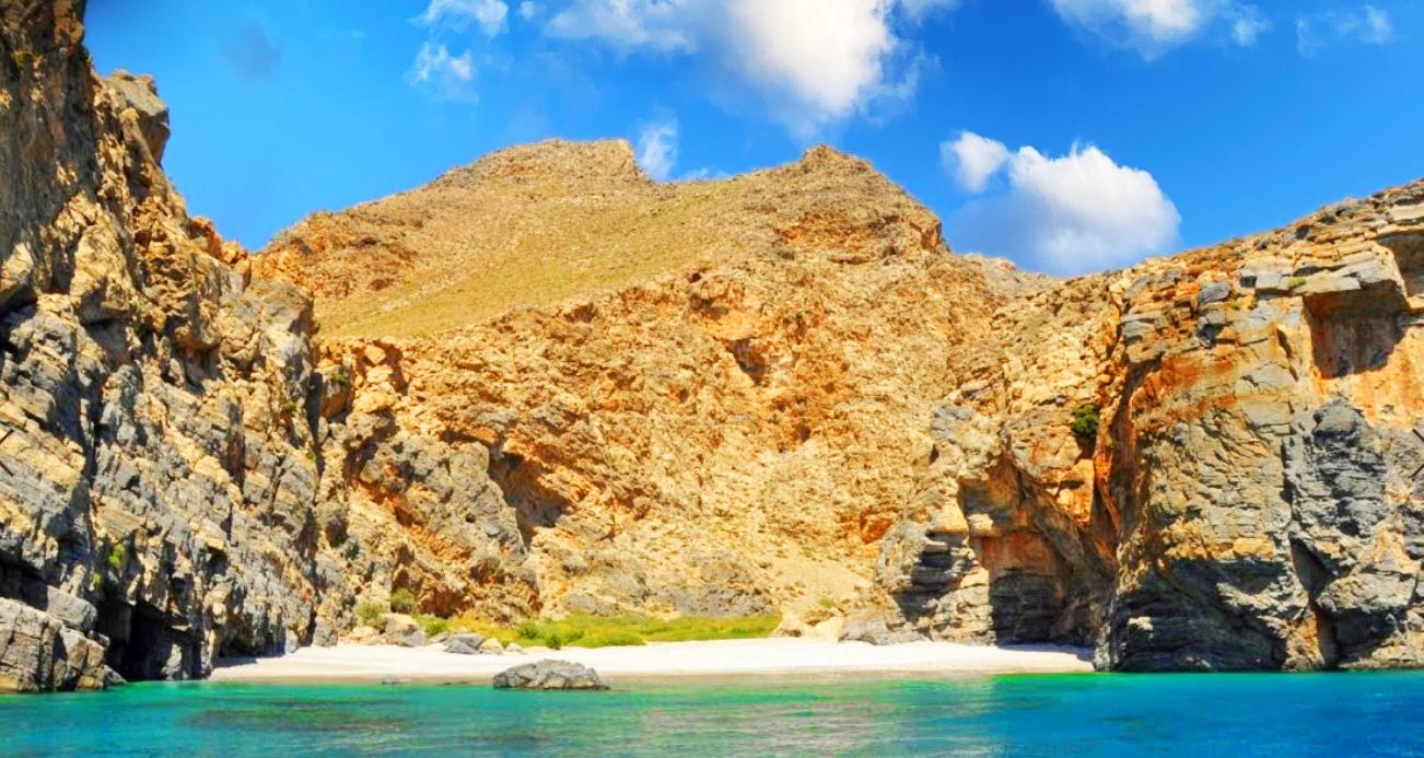 kaminaki beach crete