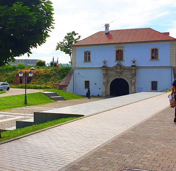 Poarta a IV-a a cetatii Alba Carolina – Poarta Episcopului