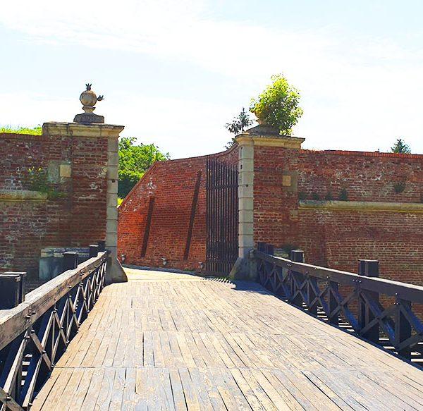 Poarta a VI-a a cetatii Alba Carolina