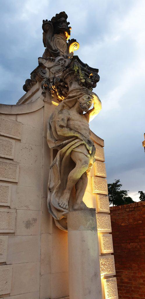 Poarta a II a a cetatii, Alba Carolina, Romania