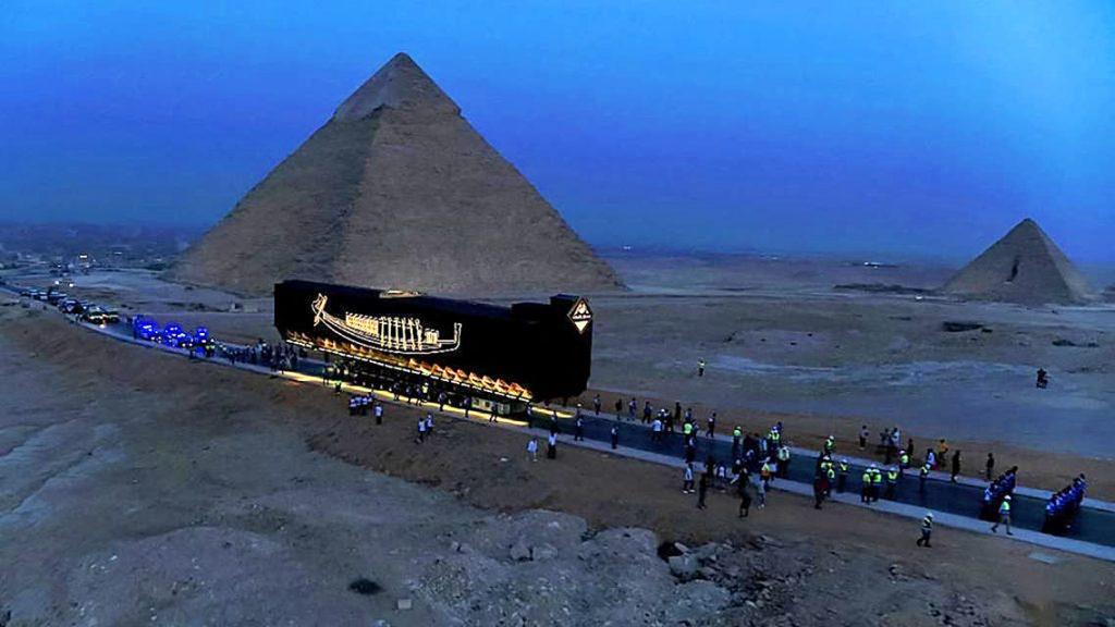 Barca Solara a faronului Khufu, Egipt